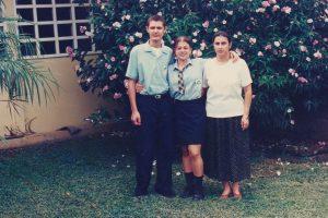 En 1997 undécimo contaba con 2 estudiantes quienes salen en la foto acompañados de la directora en ese momento.