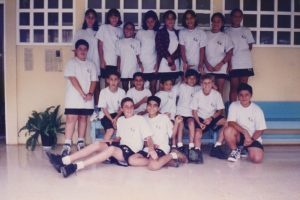 En 1997 el grupo de los séptimos contaba con 17 alumnos, ese día estaban listos para la clase de Educación Física