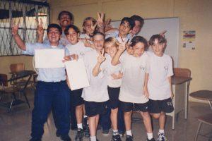 En 1998 el club de arte contaba con estos estudiantes