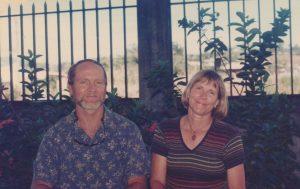 Linda Jorgensen Mueller y John Tresemer, fundadores de Escuela y Colegio del Valle