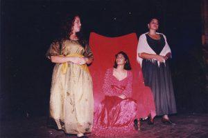 """Noche de Talentos de nuestra Institución en el año 96, en esa ocasión estaban interpretando la obra, """"Romeo & Julieta"""""""