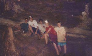 Una hermosa experiencia el visitar las Cavernas en Savegre en 1997.